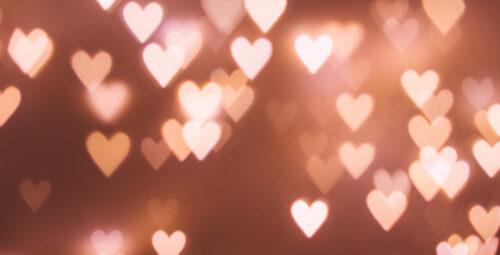 L'amour brille sous les étoiles avec la Playlist de la Saint Valentin